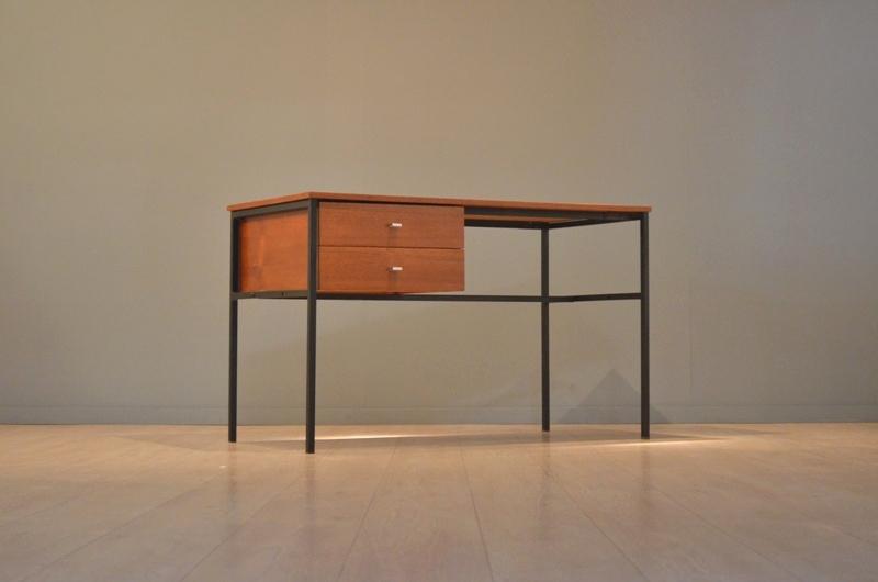bureau pierre guariche par meurop vintage ann e 50 39 s storanza. Black Bedroom Furniture Sets. Home Design Ideas